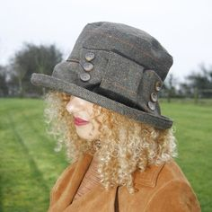 Big Tweed Winter Hat with Bow & Buttons, Warm Winter Hat for Women, Smart Downton Abbey Large City H Warm Winter Hats, Winter Hats For Women, British Hats, City H, Rain Hat, Tall Women, Summer Hats, Hat Sizes, Tweed
