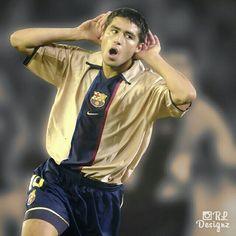 Emotions of football - Ex-Villarreal CF & FC Barcelona star Juan Román. Villarreal Cf, Fc Barcelona, Diego Armando, Good Soccer Players, Roman, People, Most Beautiful, Bomber Jacket, Nike