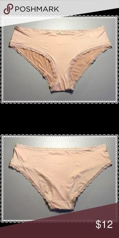 9016f408367b 🌻VS Hipster Panty🌻 The ultra-smooth hiphugger gets a retro remix with  curved sides. Ultra smooth Mid rise Full back coverage Imported…