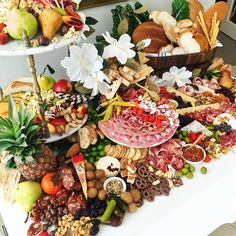 Table & Plate Luxury Grazing (Catering) | GRAZING TABLES