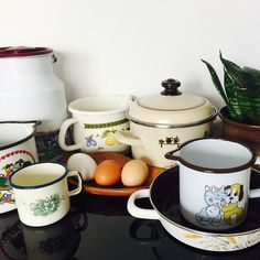 Lovely vintage enamel items are now in shop available. Austrian premium enamel from RIESS, German enamel etc. Pretty pieces in fantastic condition! Enamel Cookware, Kitchen Ware, Dose, Sugar Bowl, Bowl Set, German, Shabby, Cottage, Pretty