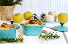 La star de ma cuisine, de mes goûters d'hiver et de mes soirées cocooning du moment, c'est la pomme au four ! On n'y pense pas toujours, pourtant c'est un dessert simple, généreux et plein de saveurs. Il suffit de les glisser dans le four en début de repas pour les retrouver toutes chaudes et fondantes au moment du dessert ! Pratique ! Voici la recette de version chouchou du moment avec une garnitude aux amandes ! www.sweetandsour.fr