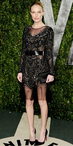Kate Bosworth styled her hand-embroidered Prabal Gurung tulle dress with a satin clutch and black Louboutins. <3 <3 <3