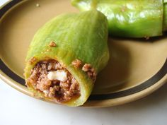 Caiguas rellenas - comida peruana - caiguas filled with beef, raisins and olives - recipe in english - peruvian food