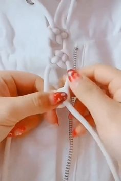 Узелковые браслеты Nail Ideas nail ideas with yellow Sewing Hacks, Sewing Crafts, Sewing Projects, Diy Projects, Sewing Tips, Free Sewing, Sewing Tutorials, Diy Home Crafts, Crafts For Kids
