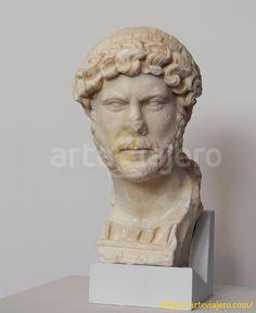 Busto del emperador romano Adriano, actualmente conservado en el Museo Arqueológico de Yecla (Región de Murcia) #adriano #yecla #murcia #arteviajero