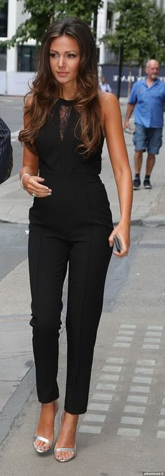 Hot Summer Fashion Trends - Chic Street Style. With red heels