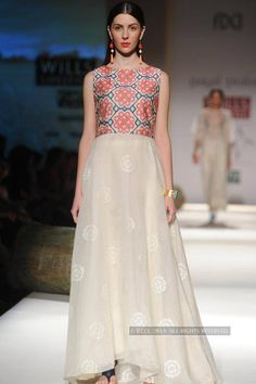 A model showcases a creation by Payal Pratap on Day 2 of Wills Lifestyle India Fashion Week (WIFW) Spring-Summer (SS) held in Delhi, on October (Pic: Samik Sen) Western Gown, Western Dresses, Indian Dresses, Formal Wear, Formal Dresses, Maxi Dresses, Salwar Pattern, Indian Ethnic, Indian Style