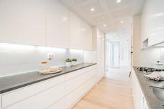 Myydään Kerrostalo 5 huonetta - Helsinki Katajanokka Luotsikatu 9 - Etuovi.com 9595983 Helsinki, Double Vanity, Bathroom, Washroom, Full Bath, Bath, Bathrooms, Double Sink Vanity