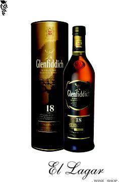 robusto, con elegantes notas a roble, manzana y canela. Un whisky sublime, intenso y maduro.  Whisky Single Malt. @vinotecaellagar