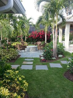 Warm Tropical Backyard Landscaping Ideas (16)