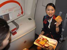 JAL - 旅コラム(JAL旅プラスなび) - 空飛ぶキッチン、通称ギャレー