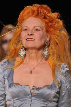 British designer Vivienne Westwood trendsetter of the more or less created both the punk and new wave style! Sarah Jessica Parker, Vivienne Westwood, Punk, Dolce & Gabbana, Divas, English Fashion, Advanced Style, Looks Style, Models