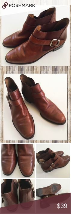 Leather ankle boots Unisa brown booties Great condition leather ankle boots by Unisa, made in Brazil. Size 6.5 B. See photos, there is wear on the soles and some scuffs. Unisa Shoes Ankle Boots & Booties