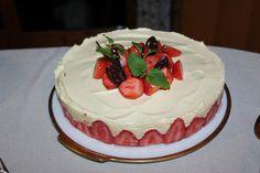 Ostekake med pasjonsfruktkrem og sjokoladebunn