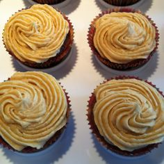 Dark chocolate cupcakes with pumpkin buttercream. Frosting, Icing, Dark Chocolate Cupcakes, Let Them Eat Cake, Cheesecake, Pumpkin, Cooking, Desserts, Recipes