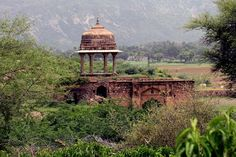 While the abandoned town of Bhangarh in the state of Rajasthan, India, has become something of a tourist attraction, you'll notice there are no photos of it at night. That is because setting foot in the place at night is strictly forbidden, and apparently the Indian government is pretty serious about it. Eve