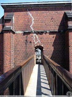 Railroad Tracks, Sidewalk, Bridal, Google, Blog, Side Walkway, Walkway, Blogging, Bride