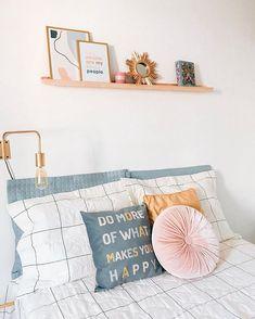 Aos poucos tudo vai se ajeitando Make Happy, Are You Happy, Workspace Inspiration, Instagram Blog, What Makes You Happy, Ideas Para, Bedroom Decor, Throw Pillows, Make It Yourself