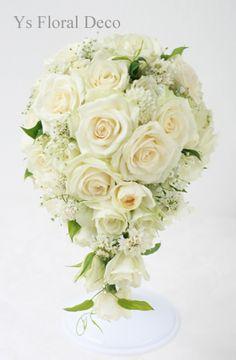 白バラと小花のティアドロップブーケ ys floral deco @青山カシータ