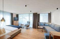 Urlaub gewinnen: Auszeit in der HOCHKÖNIGIN - The Chill Report Bio Sauna, Das Hotel, Hotels, Mountain Resort, Hotel Reviews, Floor Chair, Flooring, Furniture, Home Decor