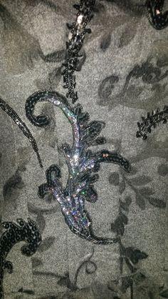 abito ricamato a mano, riciclo creativo, paillettes e perline