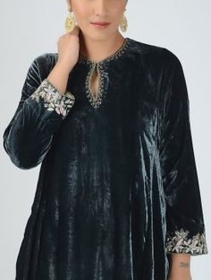 Black Silk Velvet Kurta with Embroidered Sleeves Velvet Suit Design, Velvet Dress Designs, Pakistani Dress Design, Pakistani Dresses, Indian Dresses, Neckline Designs, Kurti Neck Designs, Indian Designer Suits, Embroidery Suits