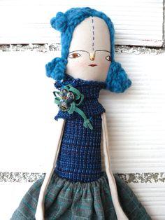 Muñeca de algodón y lino con pelo de lana trenzado / 50 cm / Bordad a mano. Muñeca artística de AntonAntonThings en Etsy