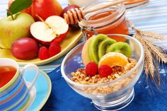 WatchFit Expert Judy Watson explains what fibre is and the importance of a high fibre diet. Also includes a tasty example meal plan to get you started.