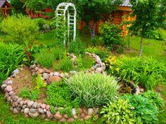 горка-улитка Rubrics, Stepping Stones, Aquarium, Herbs, Outdoor Structures, Outdoor Decor, Plants, Garden Ideas, Landscapes