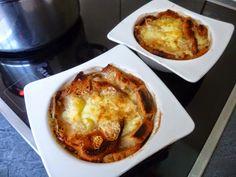 Soupe à l'oignon gratinée French Toast, Breakfast, Food, Onion, Morning Coffee, Essen, Meals, Yemek, Eten