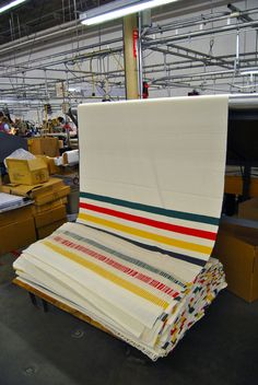 One of the great American textile companies, Pendleton Woolen Mills continues to produce amazing blankets and clothing from their factories in Washington and Oregon. Pendleton Woolen Mills, Hudson Bay Blanket, Textile Company, Weaving Textiles, Wool Blanket, National Parks, Creations, Stripes, California