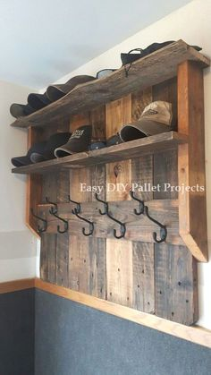 DIY-Ideen Mit Holzpaletten DIY ideas with wooden pallets Wooden Pallet Projects, Diy Projects, Diy Home Decor Rustic, Pallet Ideas Easy, Diy Holz, Wooden Diy, Wooden Signs, Wood Pallets, Pallet Wood