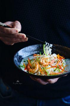 Shirataki noodles with shrimps and vegetables - Spaghetti di shirataki con gamberi e verdure  - La Petite Xuyen