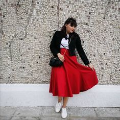Irina C. - Red Skirt Romania People, N Girls, Red Skirts, Green Fashion, People Around The World, Tulle, Chic, Outfits, Fashion Trends