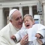 Papa Francisco: Nunca hay que echar a los niños que lloran de la iglesia