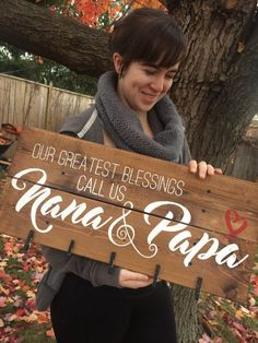 Love this wordage though <~~~~~~~~ Our Greatest Blessings call us Nana & Papa pallet sign with picture clips Wooden Pallet Signs, Wooden Pallet Projects, Pallet Crafts, Wooden Crafts, Wood Pallets, Pallet Ideas, Pallet Wood, Diy Projects, Wooden Signs With Sayings
