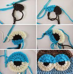 Repeat Crafter Me: Crochet Drowsy Owl Hat Pattern...how to make sleepy eyes༺✿Teresa Restegui http://www.pinterest.com/teretegui/✿༻
