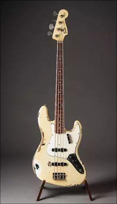 Fender Custom Shop 1966 Jazz Bass Heavy Relic RI John Cruz Masterbuilt 2013 Heavy Relic White