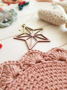 Merino Wool Blanket, Macrame, Crochet Necklace, Decor Interior Design, Knitting, Base, Meraki, Crochet Round, Crochet Circles