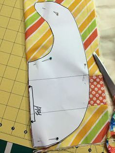 Baby Sewing Projects, Sewing For Kids, Sewing Tutorials, Sewing Tips, Dress Tutorials, Diy Projects, Tutorial Sewing, Quilt Baby, Baby Bibs Patterns