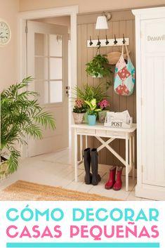 Cómo decorar casas pequeñas. Ideas para decorar viviendas pequeñas. #casaspequeñas #recibidores #recibidorespequeños #ideas #inspiracion #estiloydeco Decor, House Design, House, Sala, Deco, Bed Parts, Ladder Decor, Home Decor, Home Deco