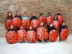 disfraces para escolares: De mariquita | Trato o truco. Co bolsa http://www.multipapel.com/subfamilia-bolsas-basura-colores-para-disfraces.htm