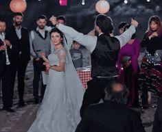 Romantic Couple Poses, Couple Posing, Alina Boz, Vogue Men, Turkish Beauty, Love Photos, Bunny Dance, Turkish Actors, Beautiful Couple