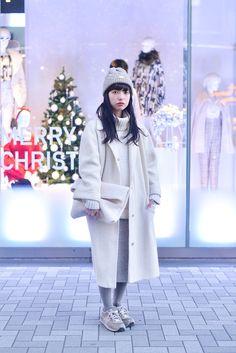 Rain Jacket, Windbreaker, Raincoat, How To Wear, Jackets, Vintage, Style, Fashion, Down Jackets