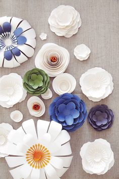DIY Paper Flower Tutorial & Home Decoration Paper Flowers Wedding, Paper Flowers Diy, Handmade Flowers, Flower Crafts, Fabric Flowers, Flower Diy, Wedding Paper, Craft Flowers, Crafts For Teens
