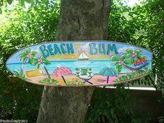 Tabla de surf BEACH BUM - pared arte Tropical paraíso playa piscina Patio casa jacuzzi Tiki Bar choza Parrothead muestra de madera hecho a mano placa Pool Signs, Beach Signs, Patio Signs, Lake Signs, Tropical Decor, Coastal Decor, Paradise Pools, Tropical Paradise, Deco Surf