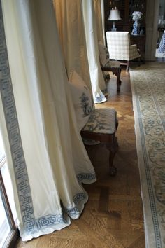 About those dining room drapes...... - The Enchanted Home