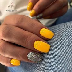 Yellow can be replaced with pink or blue.  Choose your favorite color and create a new design. Glitter Gel Nails, Uv Gel Nails, Gel Nail Art, Blue Glitter, Gel Nail Polish, Vernis Top Coat, Yellow Nails, Uv Led, You Nailed It
