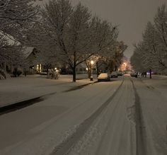 I Love Winter, Winter Time, Winter Season, Winter Wonderland, Dark Paradise, Night Aesthetic, Winter Scenery, Images Wallpaper, Christmas Aesthetic